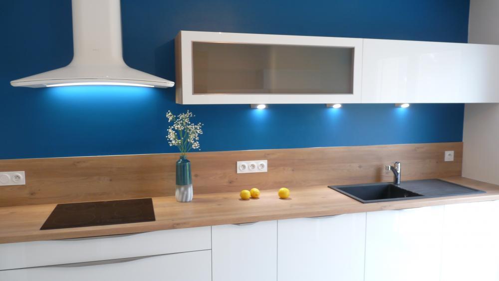 relooking cuisine en bleu blanc bois